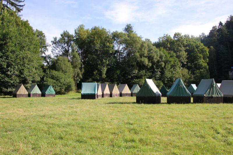 Táborová základna Sluneční zátoka