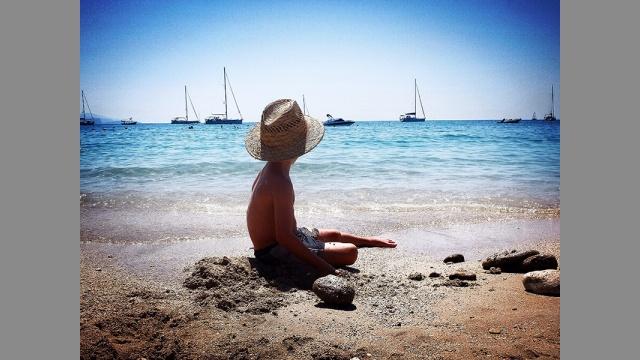 Jak zabavit děti na dovolené u moře?