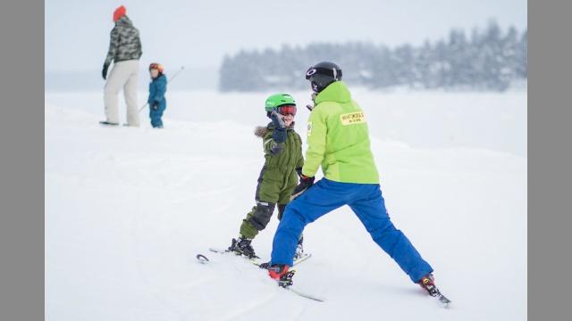 Snowboardové sety na zimní dovolenou: Máme 7 tipů pro celou rodinu
